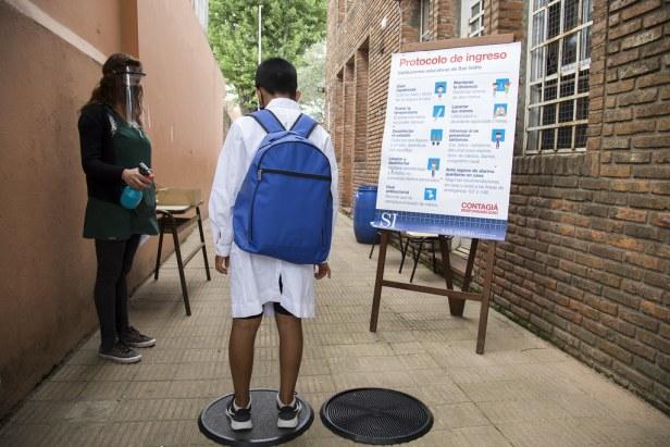 Los encuentros son voluntarios, se llevan a cabo al aire libre y en grupos de no más de diez alumnos. Foto: De norte a norte